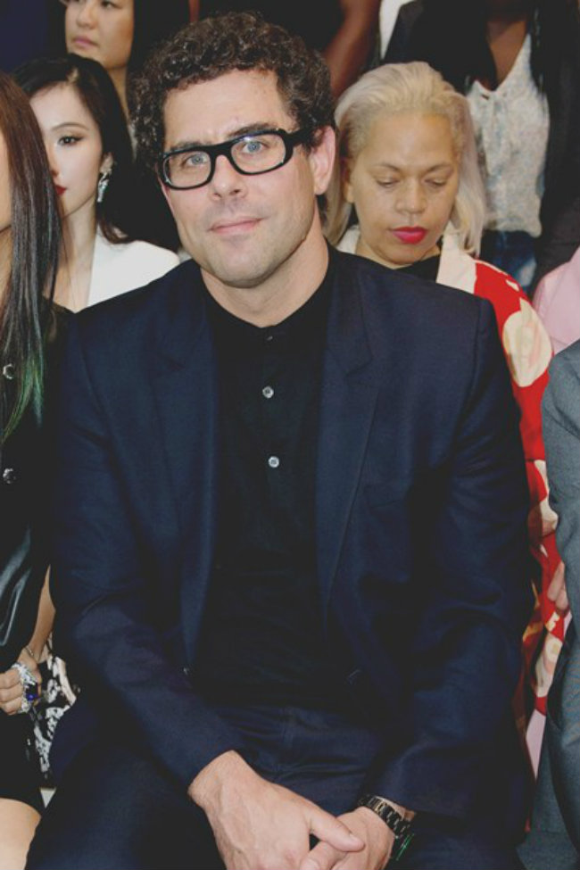 Sebastian Suhl vogue 17jul14 pa b 426x639 Modne vesti: Marc Jacobs, Kate Spade i Calvin Klein