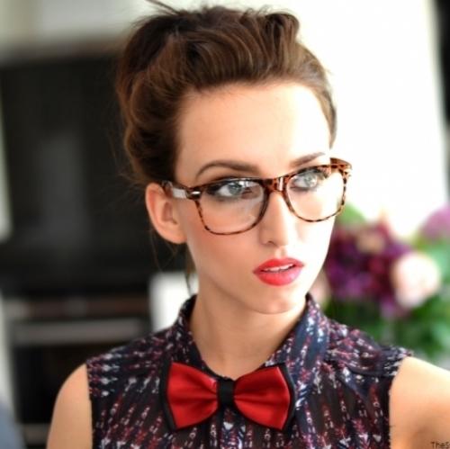 a6334 Za svaki oblik lica: Popularni ramovi za naočare