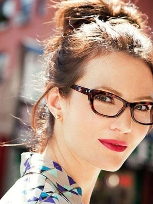 b7e84gxe Za svaki oblik lica: Popularni ramovi za naočare