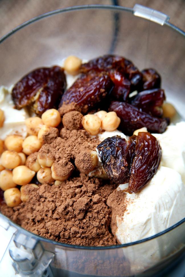 fcb0742e1b22d9f7 mousse ingredients.xxxlarge 2x 1 Vegetarijanski desert: Jagode punjene musom i čokoladom