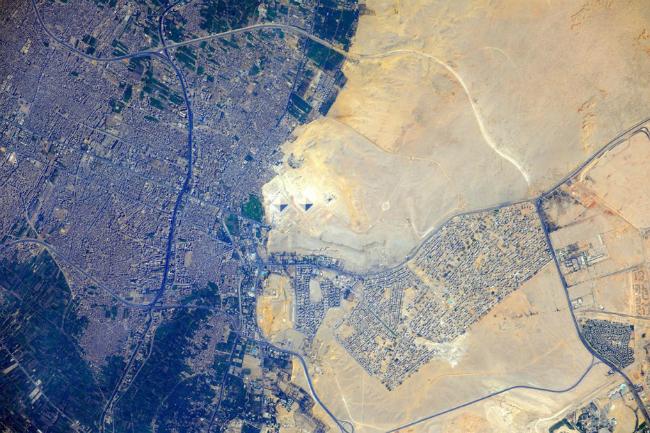 piramida giza ekipat Top 10: Moćne fotografije iz svemira koje će vam promeniti pogled na planetu
