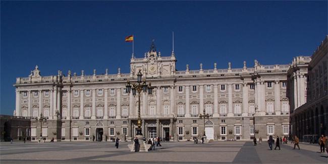 royal palace Vodič kroz Madrid: Mesta koja bi trebalo posetiti