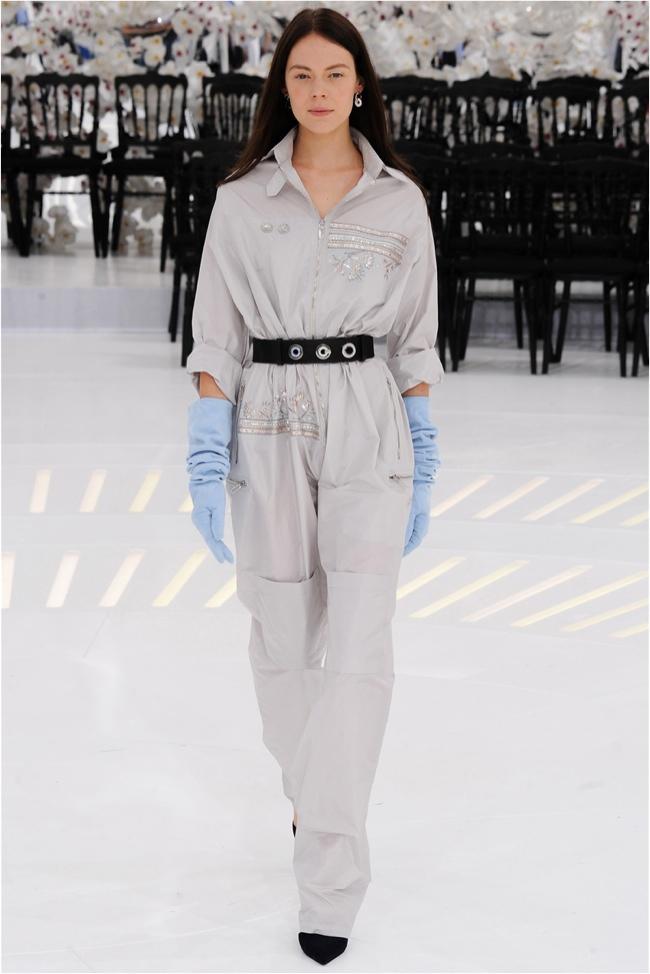 Dior kolekcija 8 Šta kaže catwalk: Putovanje kroz vreme i prostor