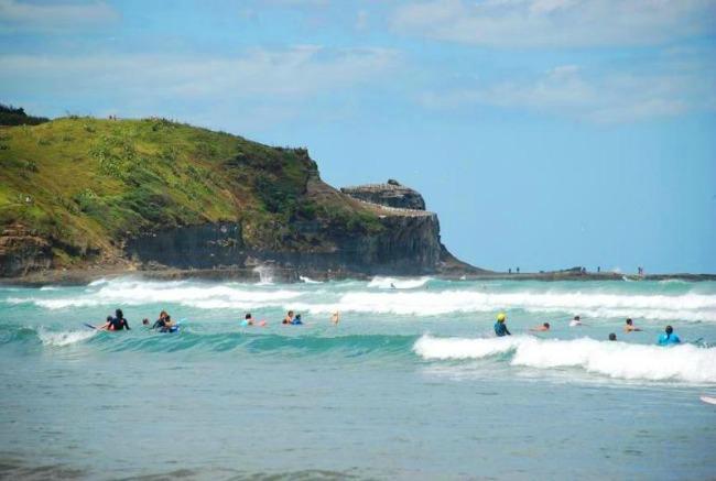 Muravei plaža Zadivljujući crni pesak: Plaže iz snova