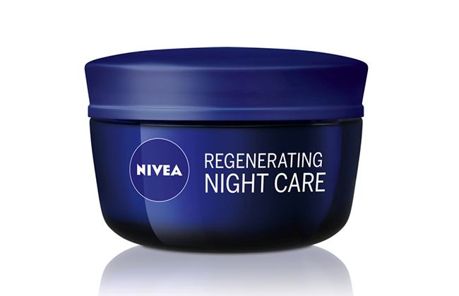 NIVEA Regenerating Night Care Nega nakon leta: Hidrirana koža je srećna koža