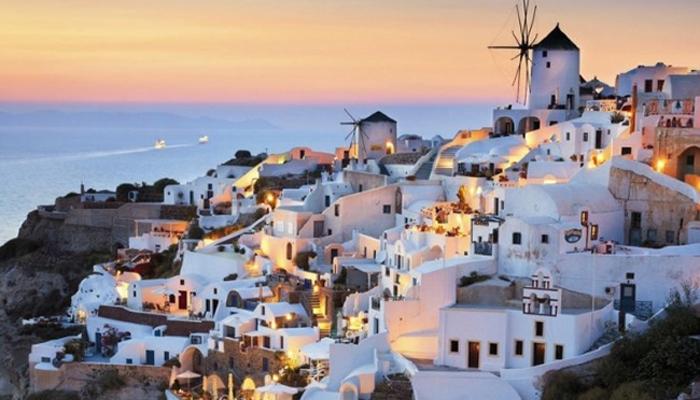 Oia Santorini Grčka1 Horoskop i odmor: Gde letuju horoskopski znaci?