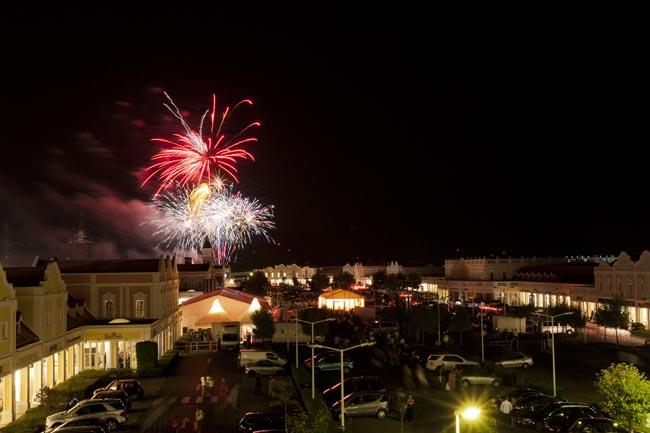 Parndorf by night Poziv u outlet Designer Outlet Parndorf na najveću kupovnu zabavu godine