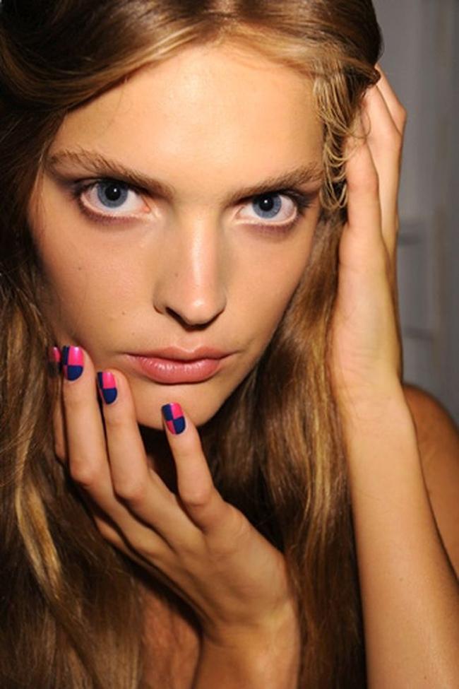 Roze detalji nokti Savršen aksesoar: Šest načina da nosite roze boju