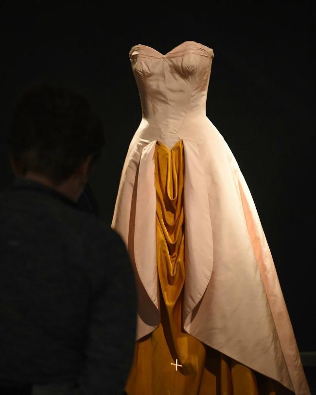 beyond fashion izlozba kostima carlsa dzejmsa dzordzija o kif Beyond Fashion: Izložba toaleta Čarlsa Džejmsa