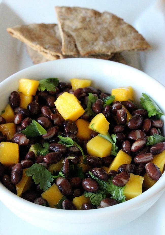 hrani se zdravo obroci koji imaju manje od 500 kalorija veganska salata sa pasuljem Hrani se zdravo: Obroci koji imaju manje od 500 kalorija