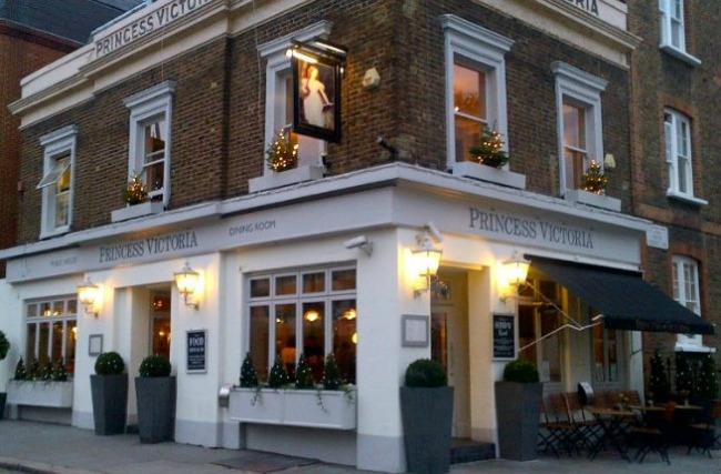 oko sveta najpoznatiji pabovi londona princess victoria kensington Oko sveta: Najpoznatiji pabovi Londona