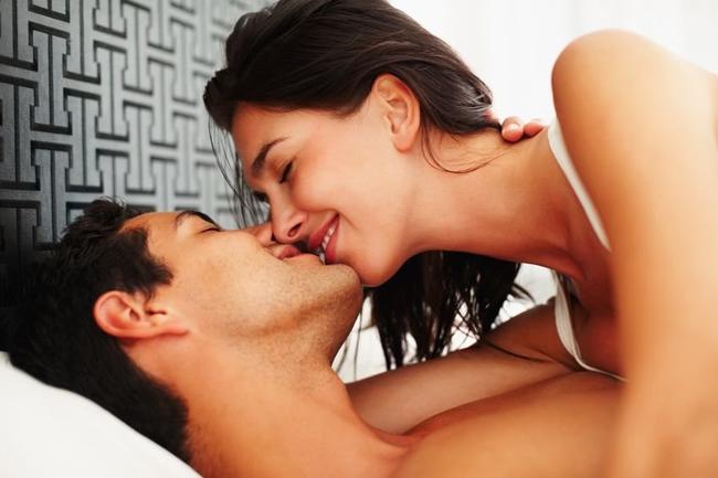 poljupci astrologija privlačnost Horoskop: Kakve devojke privlače muškarce različitog horoskopskog znaka?