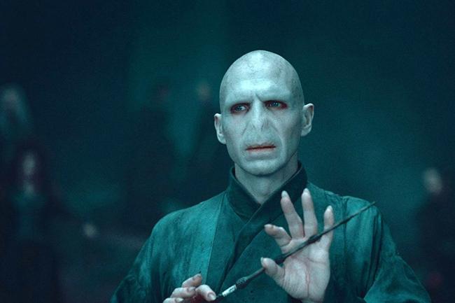 ralf fajns kao lord voldemort u hari poteru Svet filma: 10 najvećih glumačkih transformacija
