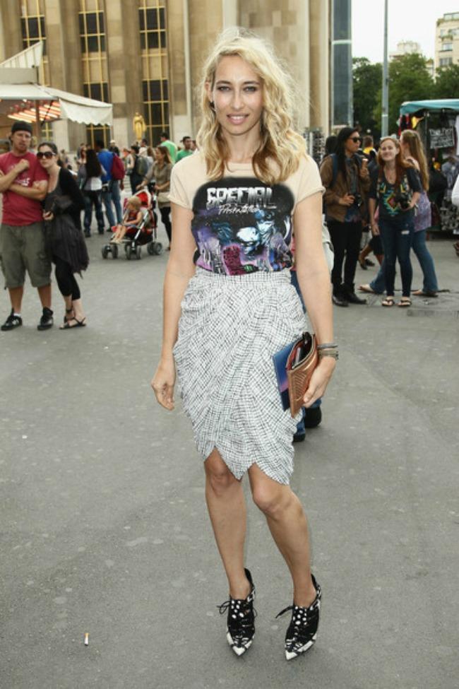 street style aleksandra golovanof pencil suknja Najbolje odevne kombinacije novinarke Aleksandre Golovanof