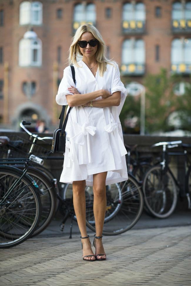 street style besprekorne odevne kombinacije za leto mala bela haljina Street Style: Besprekorne odevne kombinacije za leto