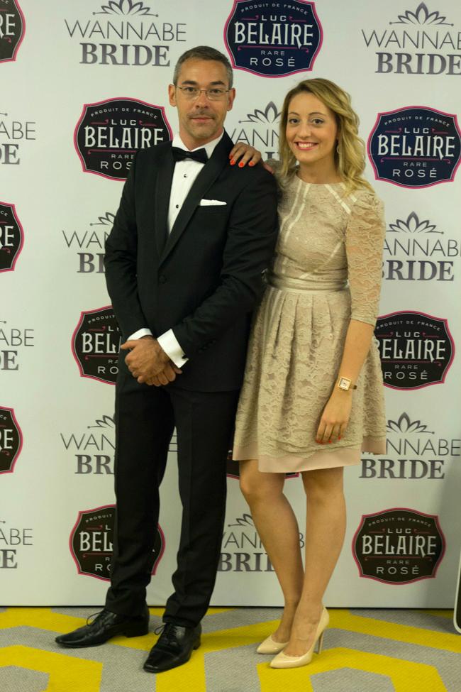 Milos Maksimovic u odelu ZID2 i organizator Nadja Jokanovic u haljini Predraga Djuknica Wannabe Bride Vikend: Svečani koktel sa poznatima