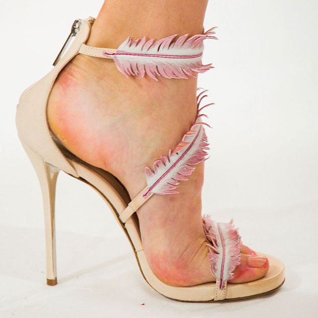 Oskar de la Renta sandale sa perima Retrospektiva njujorške Nedelje mode: Najbolje cipele