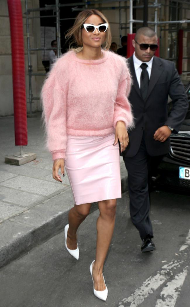 Roze Šta obući ove nedelje: Džemper i suknja