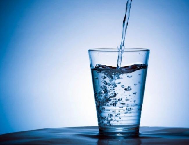 Voda Svako ima pravo na čistu zdravu vodu: AqueenaPro