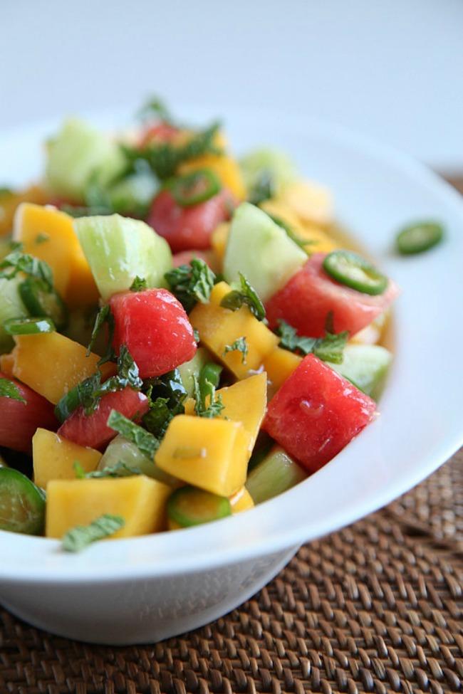 egzoticna salata lubenica mango krastavac 01 Egzotična salata od lubenice, manga i krastavca