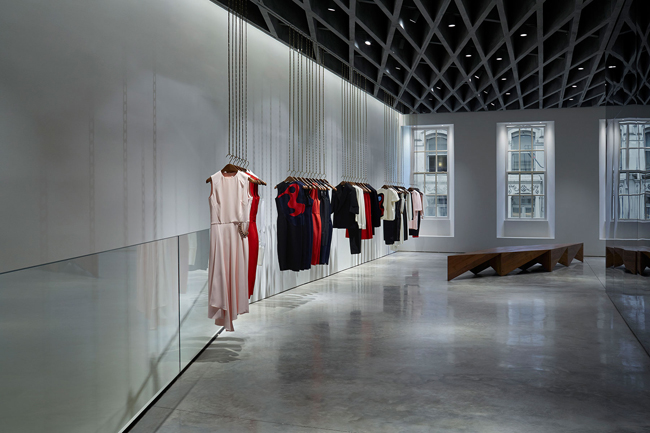 haljine Viktorija Bekam otvorila svoju prvu prodavnicu u Londonu