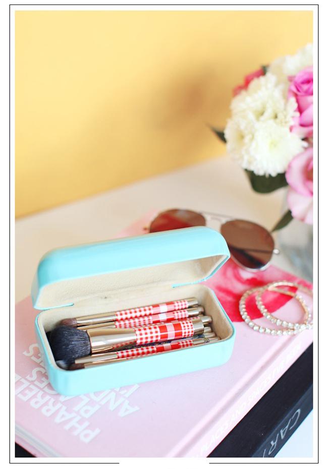 how to organize makeup brushes 21 Organizujte svoju šminku kao profesionalni šminker