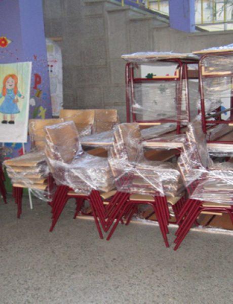 Deca u Vršcu počela školsku godinu u novim klupama