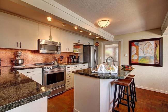 kuhinja10 Prodata kuća iz filma Besani u Sijetlu