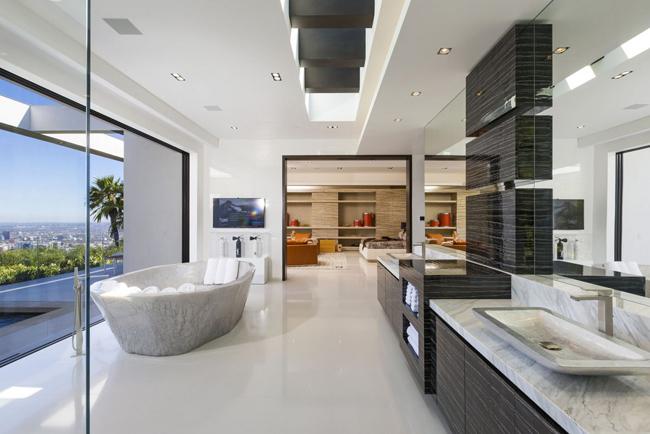 kupatilo1 Kuće bogatih: Zamak na Malibu obali