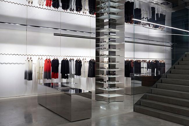 ogledala Viktorija Bekam otvorila svoju prvu prodavnicu u Londonu