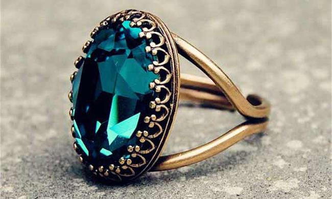 prsten sa velikim kamenom Nakit za sva vremena