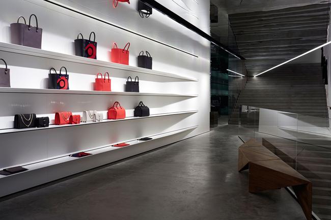 torbe Viktorija Bekam otvorila svoju prvu prodavnicu u Londonu