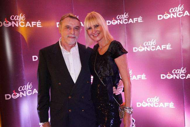 Djordje Kortina bivsi maneken OTVORENA KAFETERIJA CAFÉ DONCAFÉ: Uživanje u autentičnom ambijentu koji dočarava kafu