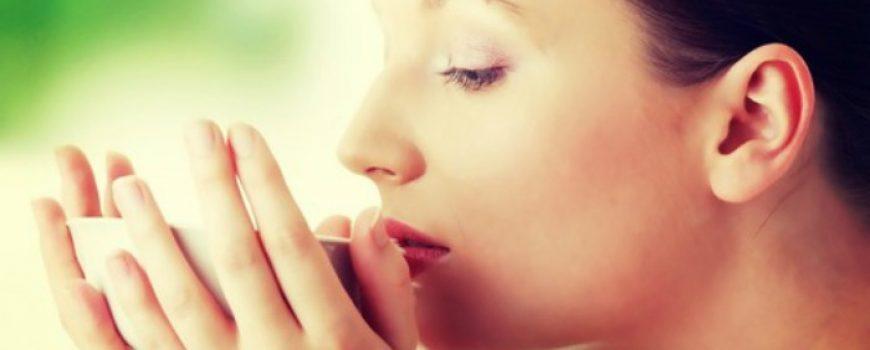 Da li ovih dana osećate grebanje u grlu, nadražajni kašalj i promuklost?