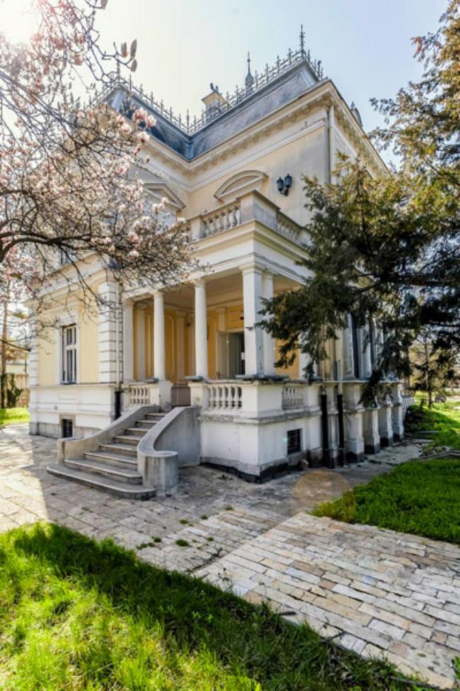 Kuća kralja Petra 5 Savremeni kulturni centar: Kuća kralja Petra I