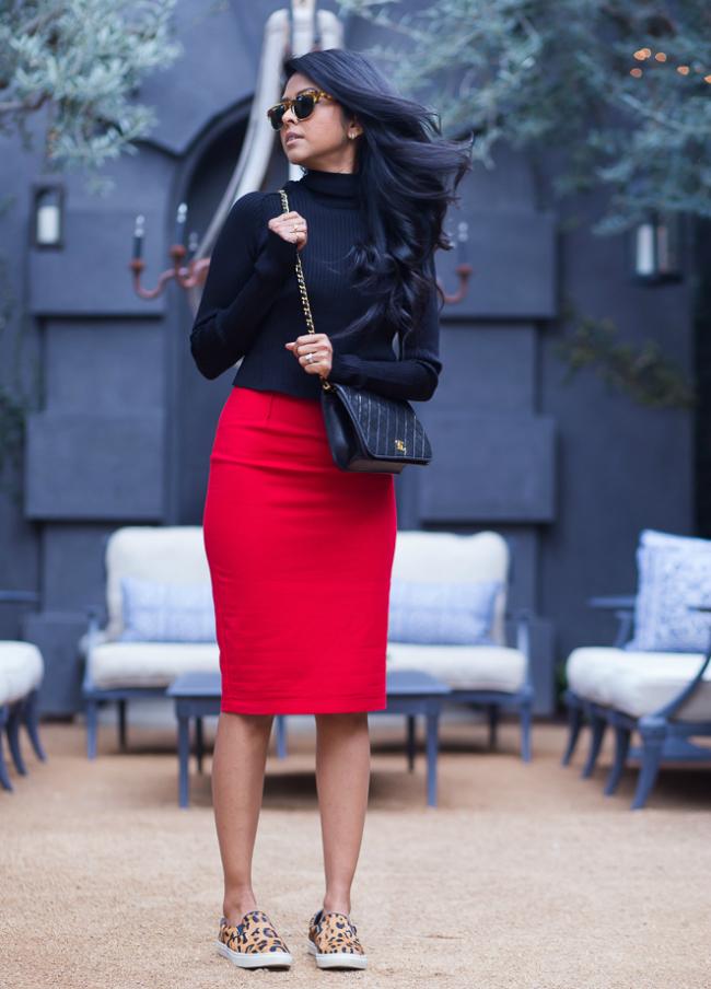 Patike Šta obući ove nedelje: Crvena uska suknja