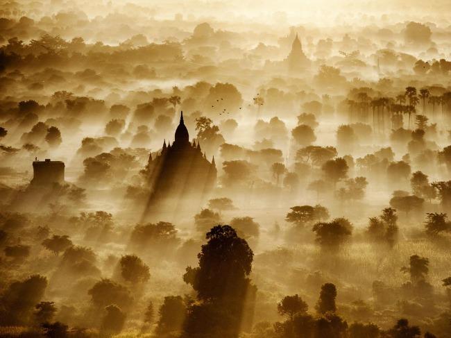 Veličanstveni Tajland Puzzle Group Tajland: Hedonistički raj, zemlja osmeha i večne slobode