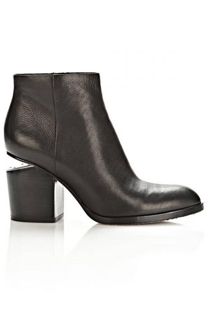 hbz ankle boots 2014 alexander wang sm 660x990 Šta obuti ove nedelje: Popularne čizme do članaka