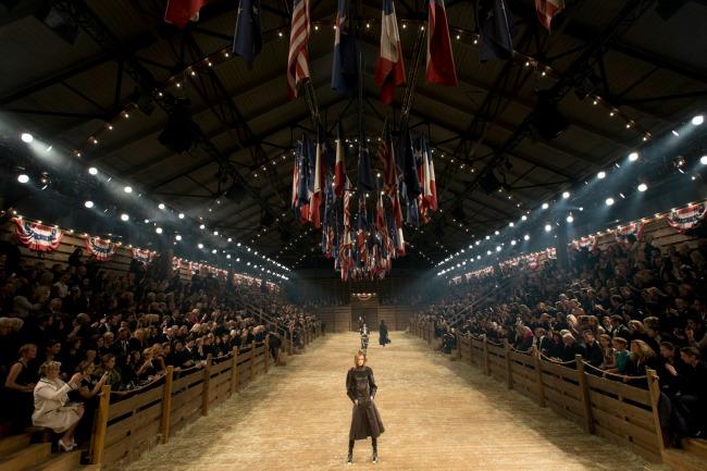 najspektakularnije revije modne kuce chanel teksas Najspektakularnije revije modne kuće Chanel