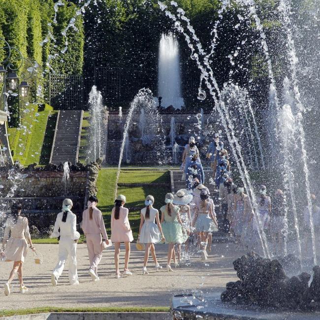 najspektakularnije revije modne kuce chanel versaj Najspektakularnije revije modne kuće Chanel