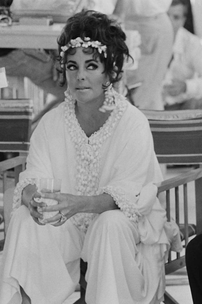 Elizabet Tejlor Kaftan kao univerzalna doza glamura