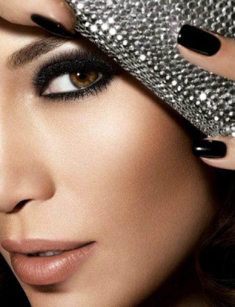 """Dženifer Lopez krasi naslovnicu magazina """"Harper's Bazaar"""""""