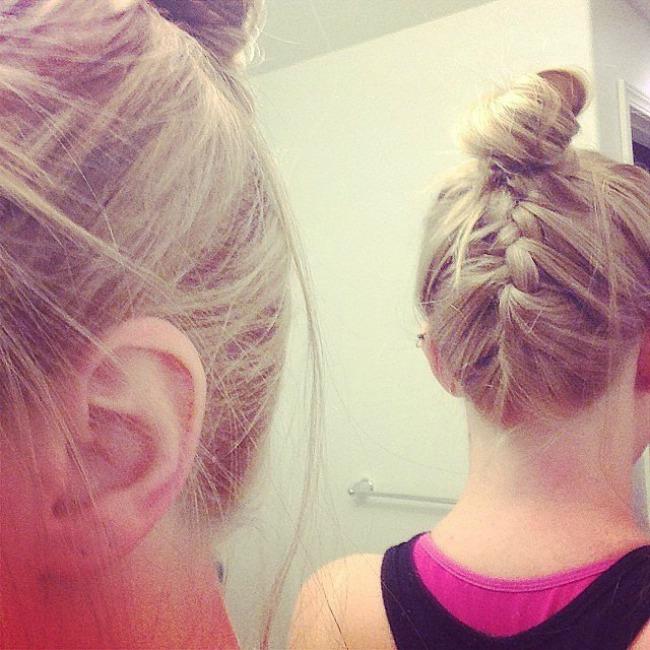 fend off stray hairs even more do quick upside down braid Najbolje frizure za trening