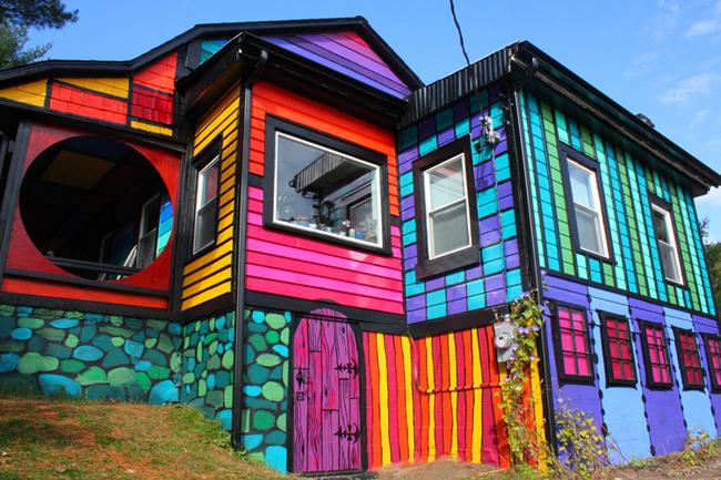 kuca iz maste 15 Kuća iz mašte kao delo umetnika