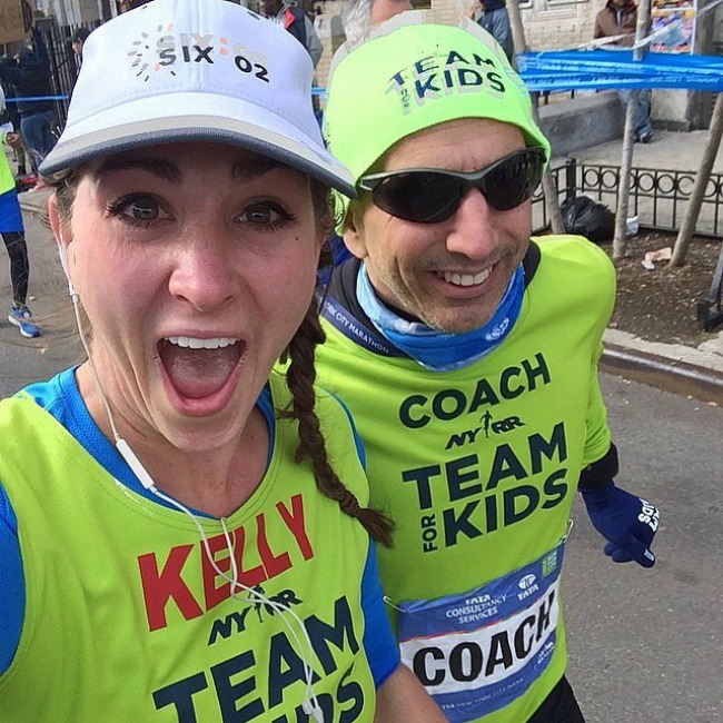 man makes people marathoners Love Team Kids Selfiji sa maratona
