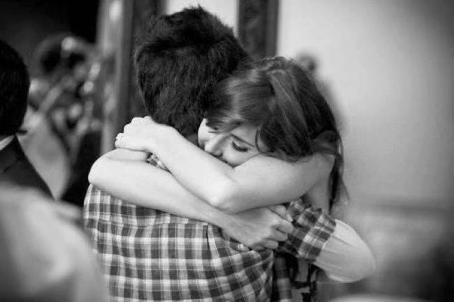 zagrljaj Razmena naklonosti: Nežnosti nikad previše