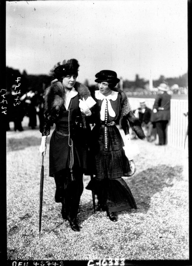 1913 a Street Style u Parizu početkom dvadesetog veka