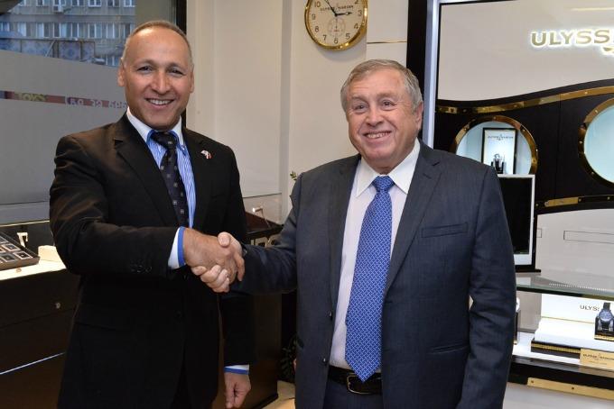 Ambasador Izraela Josef Levi i gdin Avi Tavisal osnivac IDC Otvorena prva izložba dijamanata u Srbiji