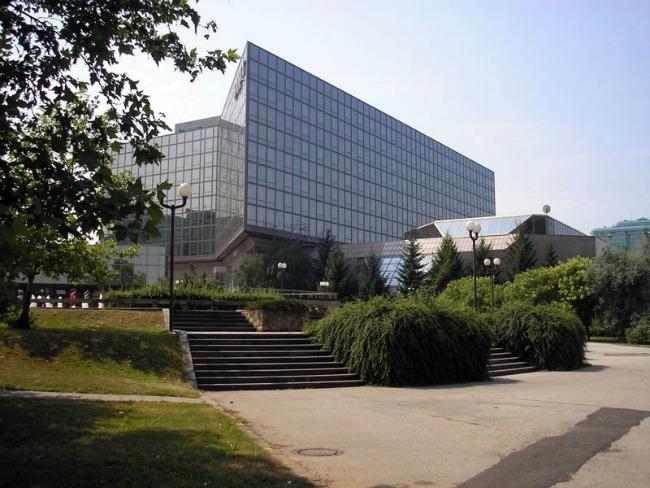 Hotel Hyatt Regency Beograd Hyatt Regency Beograd dodeljuje grant za NVO Atina
