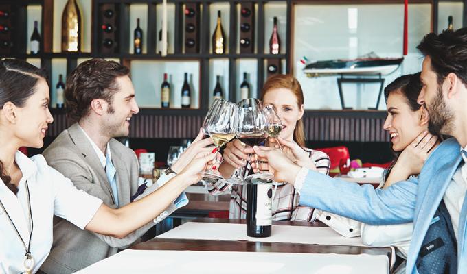 Poslovni rucak 3 Praznično raspoloženje među poslovnim partnerima